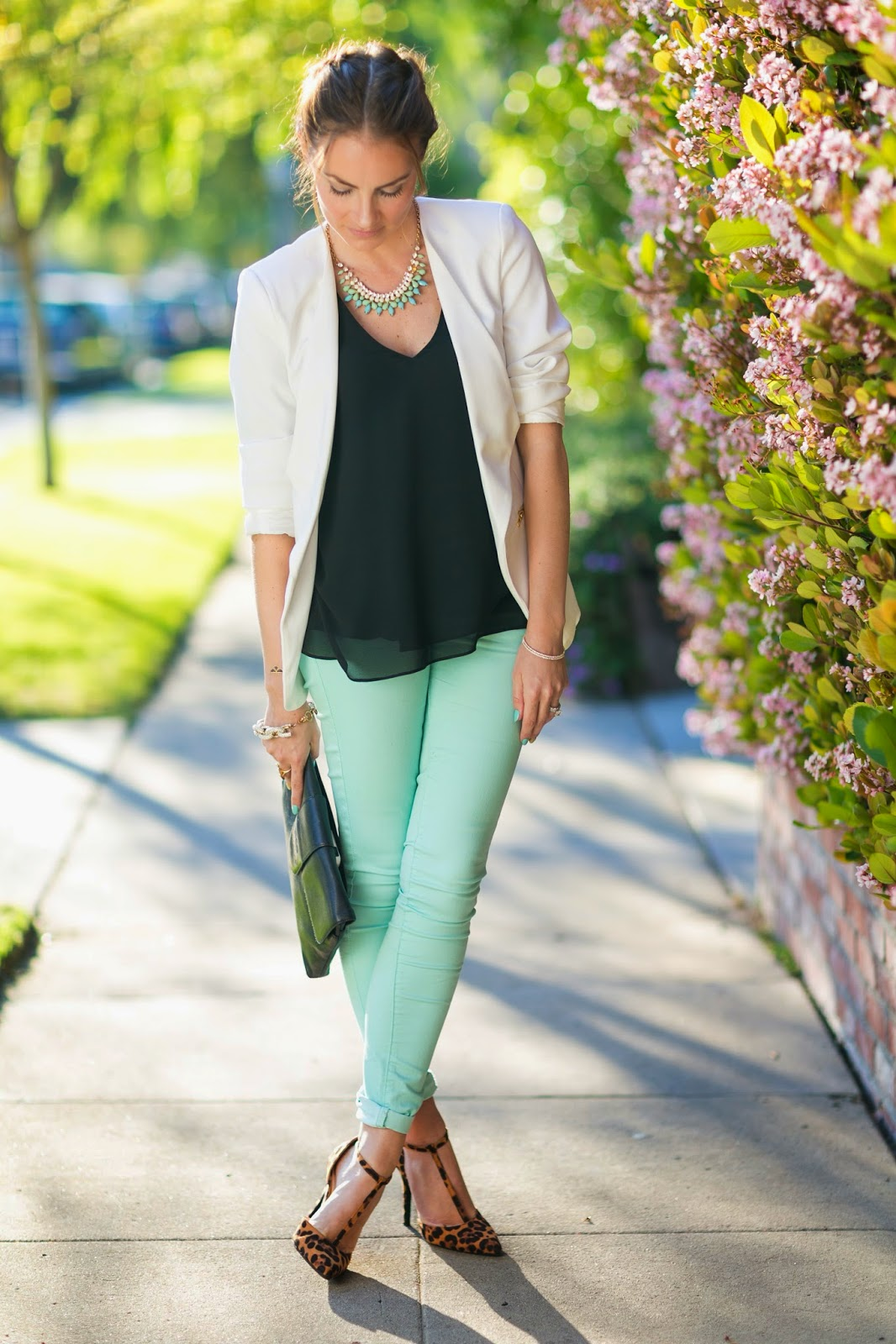 How to pastel wear green jeans