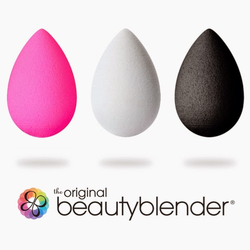 VIDEO: How to create a full makeup look with the Beauty Blender // Basics