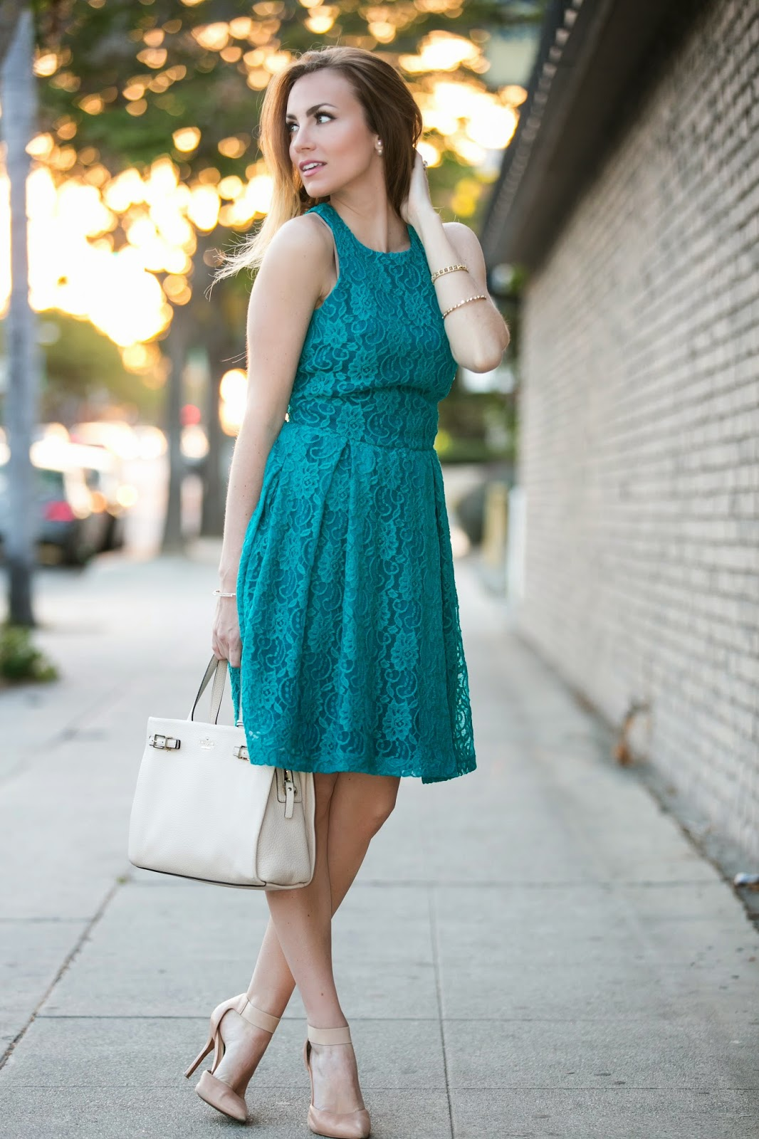 What Color Shoes Go With Teal Dress