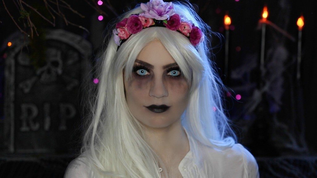Video: Glam Ghost Halloween Makeup Tutorial