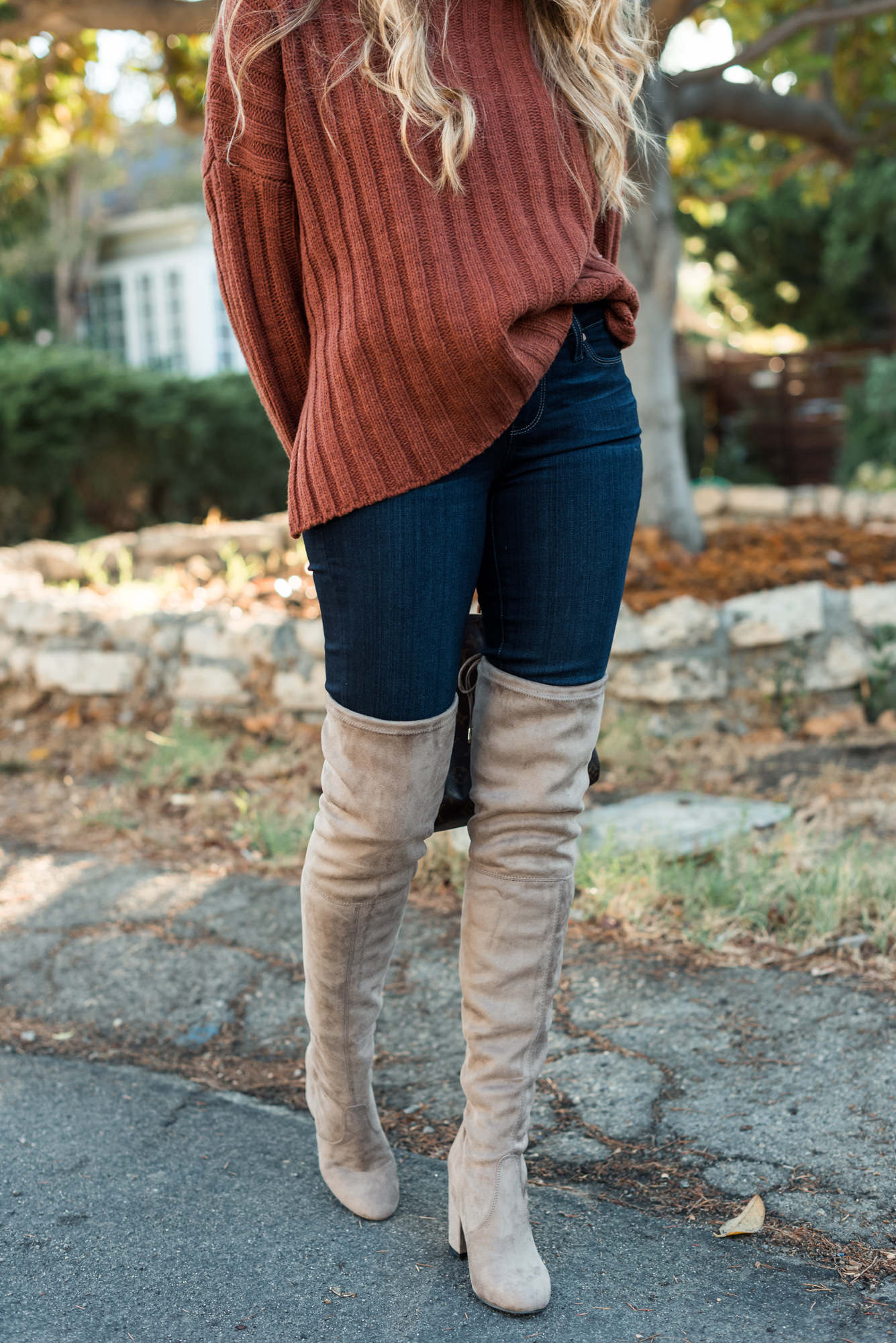 rust oversized sweater skinny jeans over-the-knee nude boots louis vuitton speedy 25 bag angela lanter hello gorgeous