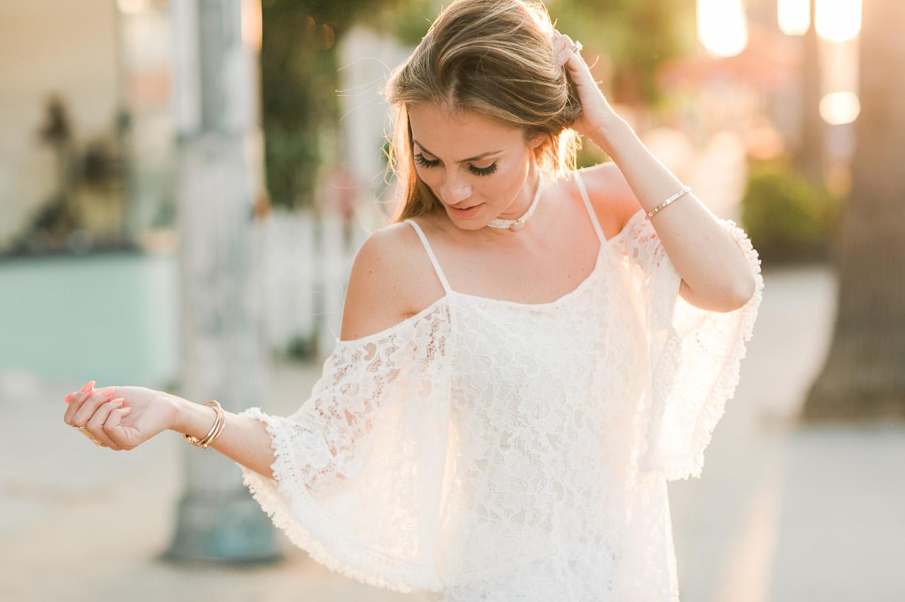 Angela Lanter - Hello Gorgeous Outfit Bailey44 Cold Shoulder Top Hudson Skinny Jeans Vince Camuto Heels Baublebar Necklace Kendra Scott Ring Kendra Scott Bracelet Set - fashion trends 1