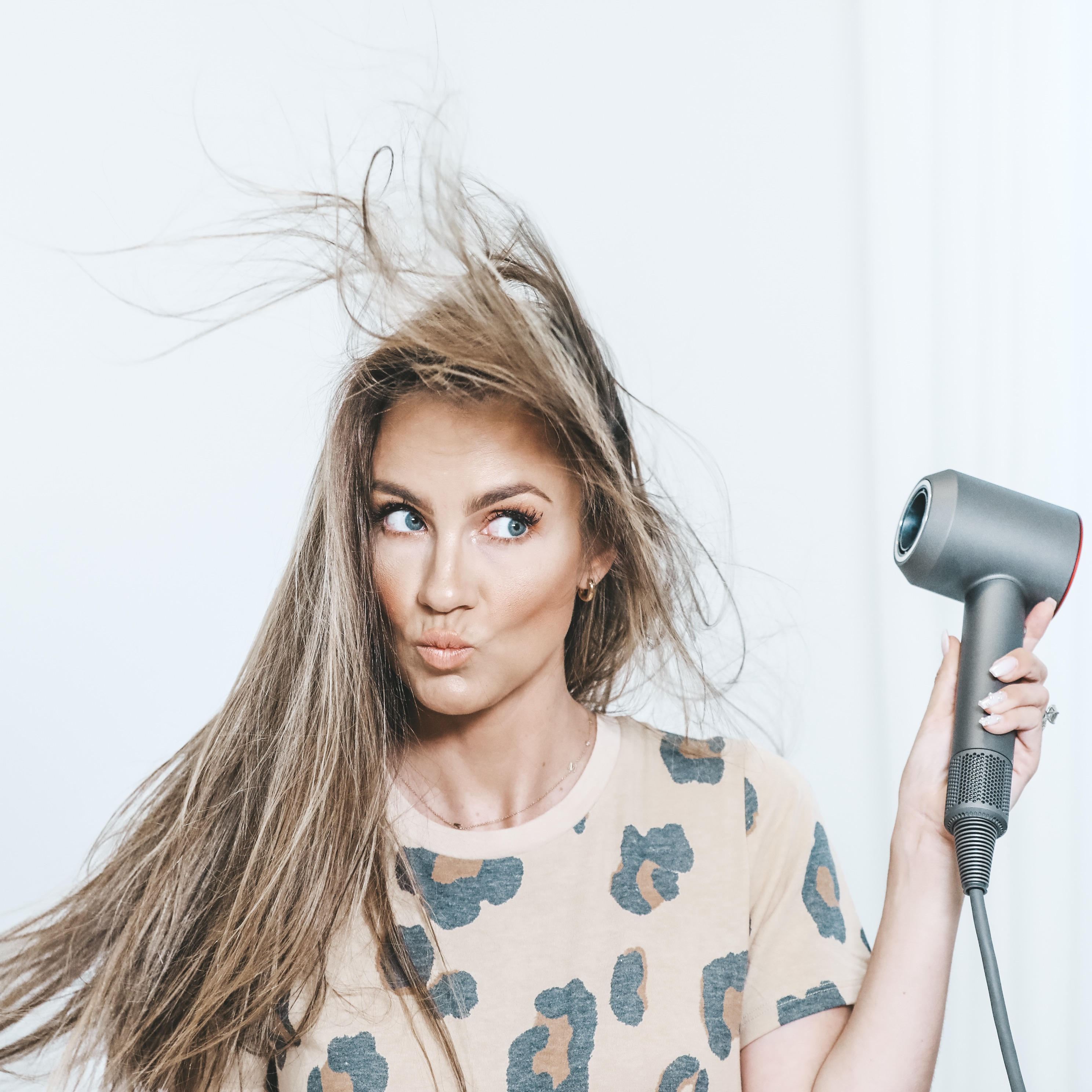 HOW TO: PERFECT SALON BLOWOUT AT HOME